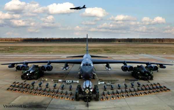 Боинг B-52 - американский стратегический бомбардировщик (2)